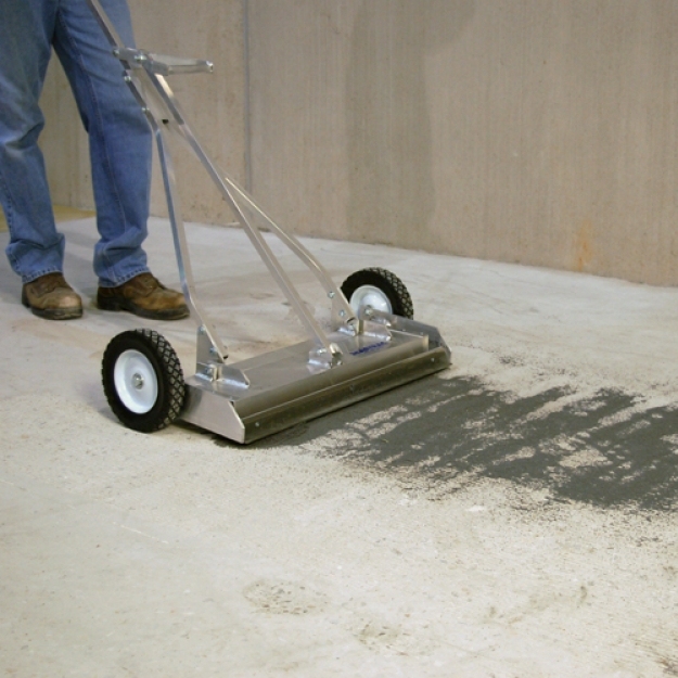 25 inch Magnet Sweeper